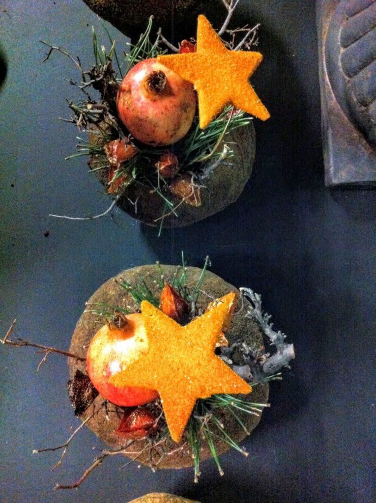 Adventlich dekorierte Früchte