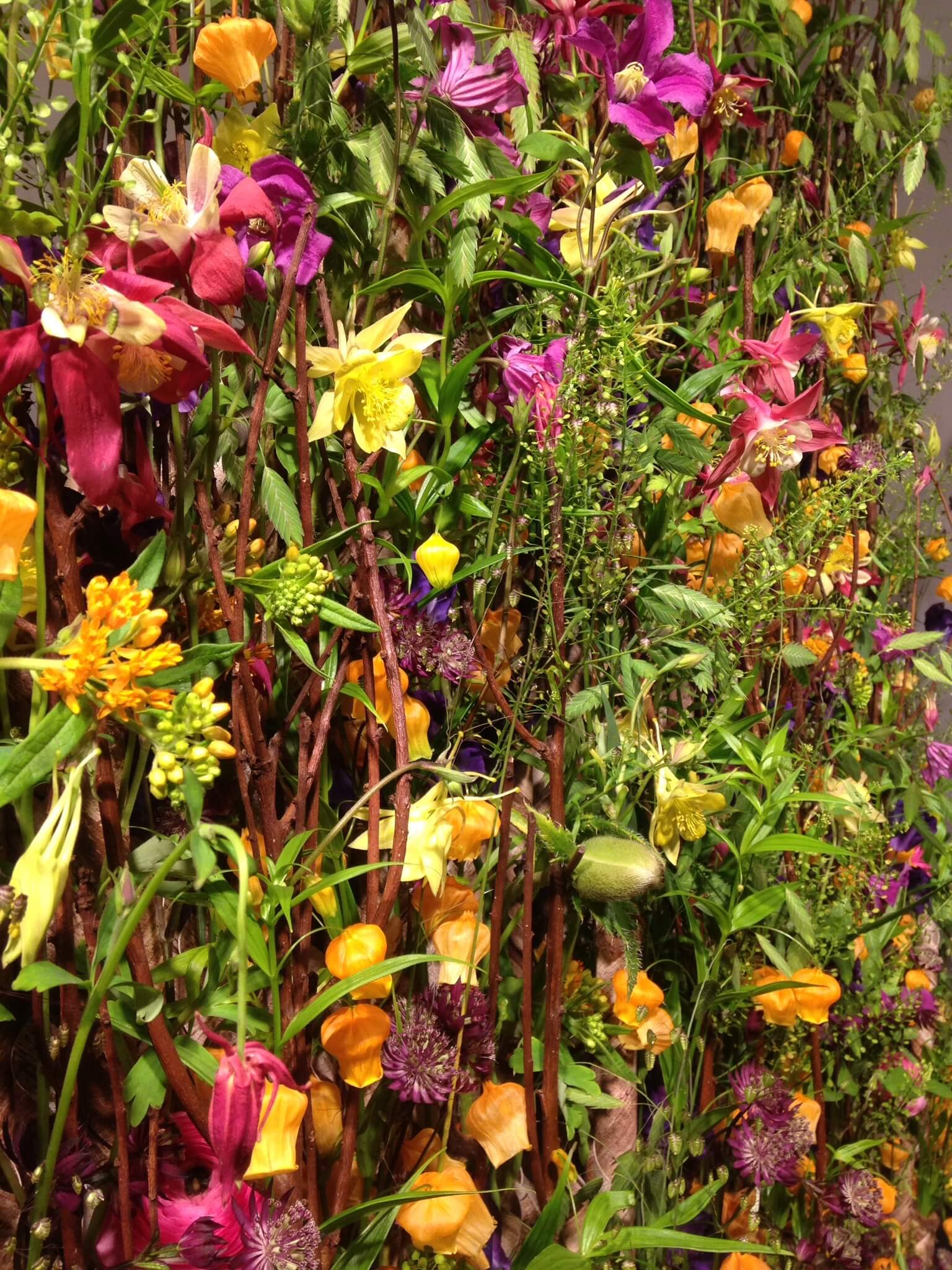 Blumengesteck Clematis Sommer