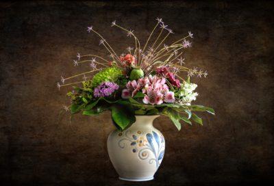 Herbststrauss Alstroemerien In Vase